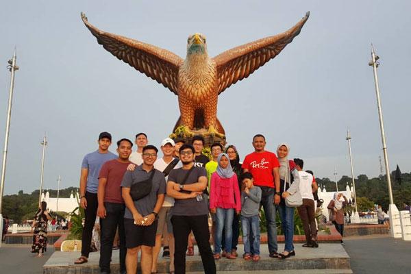 Company Trip-01